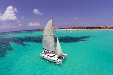 Catamaran Isla Mujeres